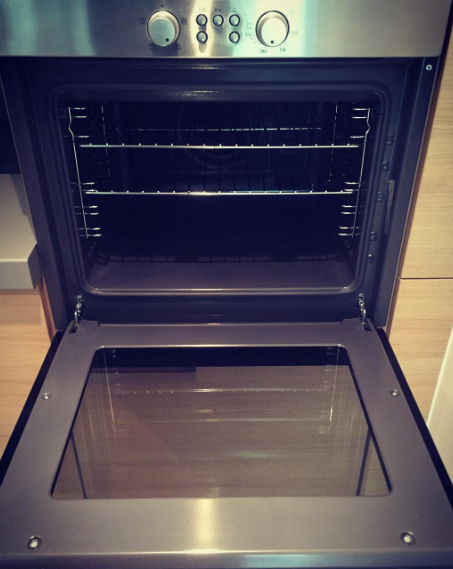 oven clean for new tenats